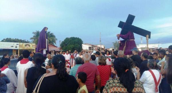 Procissão do encontro de Bom Jesus dos Passos e Nossa Senhora das Dores dá início à Semana Santa