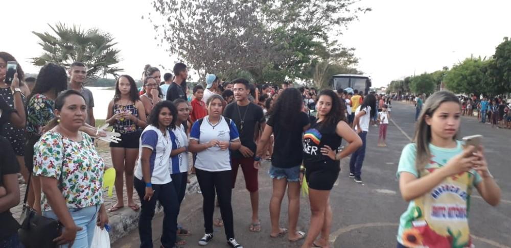 Confira imagens do Festival da Juventude em Barras