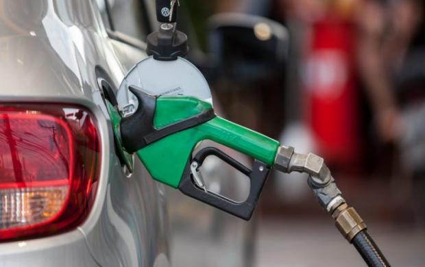 O preço da gasolina nos postos de todo o país tem sofrido uma série de aumentos nas últimas semanas.