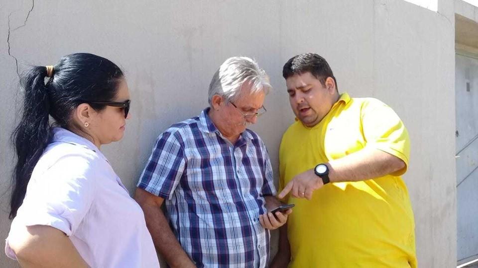 Carlos Monte cobra da Agespisa conserto de ruas após obra de esgotamento