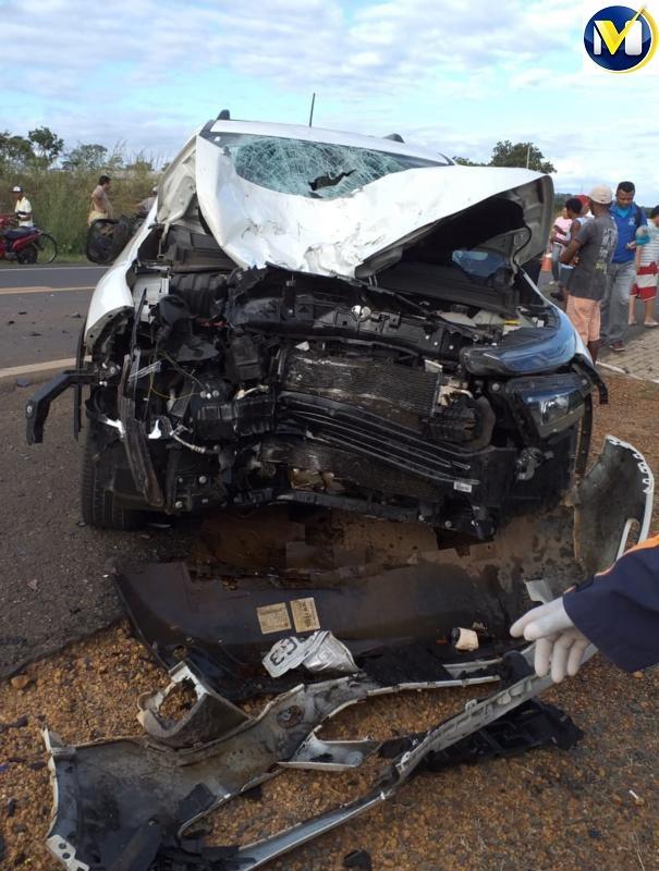 Duas pessoas morrem em colisão entre carro e moto no Piauí