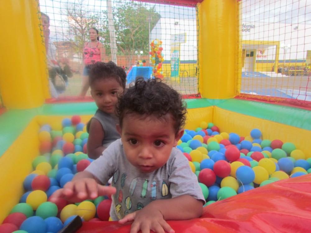 Crianças ganham mega festa no espaço Academia da Saúde