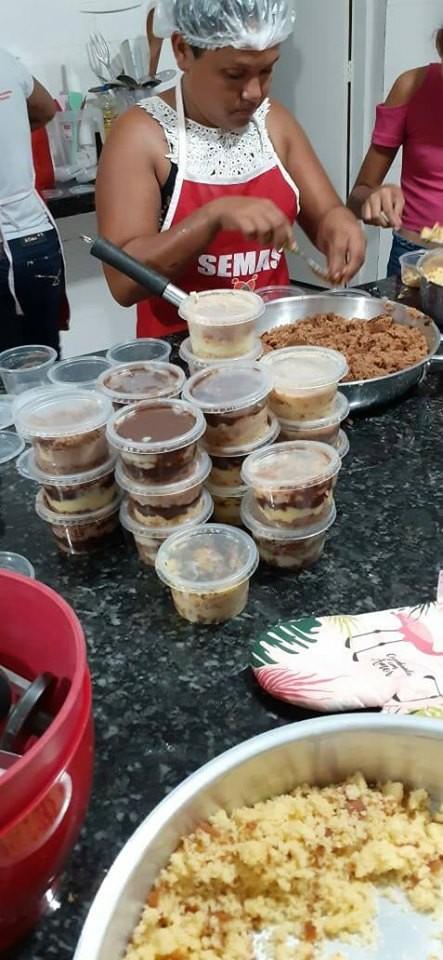Semas Barras PI realiza oficina de bolos de pote
