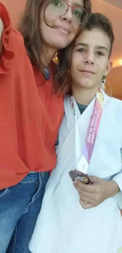 Barras com medalhas em nível nacional no Open Nacional de Karatê Copa Meio Norte