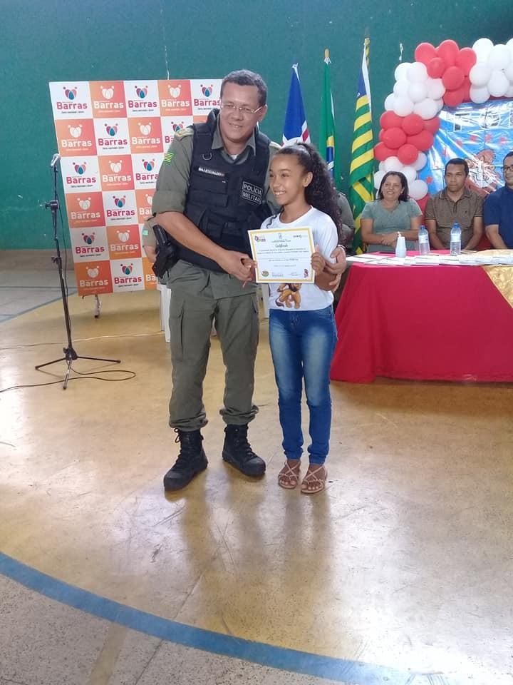 Alunos da rede municipal em Barras PI tem formatura do PROERD PMPI