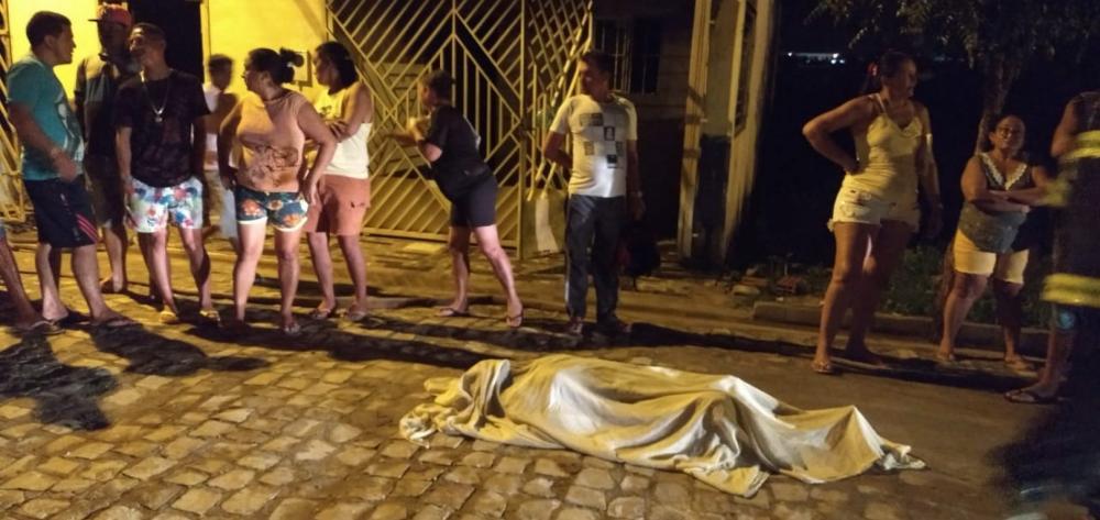 Idosa de 82 anos morre carbonizada em incêndio no Piauí