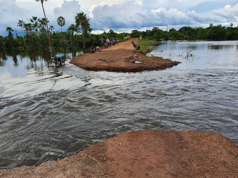 Povoados estão isolados pelas chuvas entre Cabeceiras, Lagoa Alegre e José de Freitas
