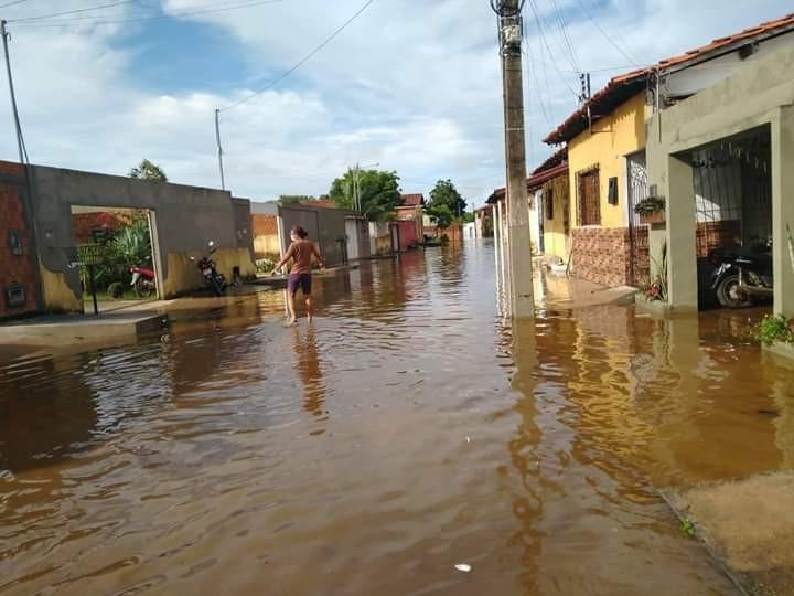 Carlos Monte pede apoio do Exército em Barras