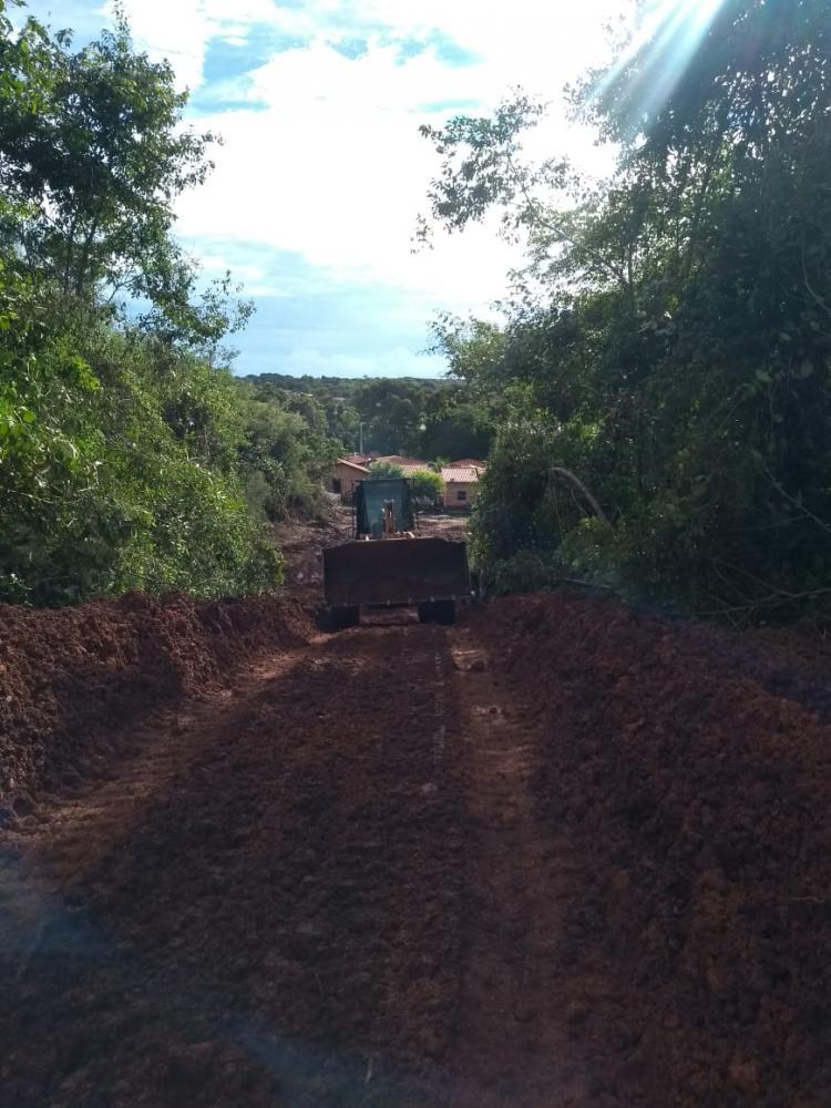 Prefeitura constrói novo acesso ao bairro Pedrinhas