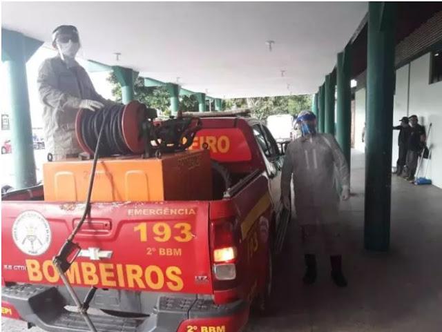 Corpo de Bombeiros realiza higienização das ruas de Parnaíba