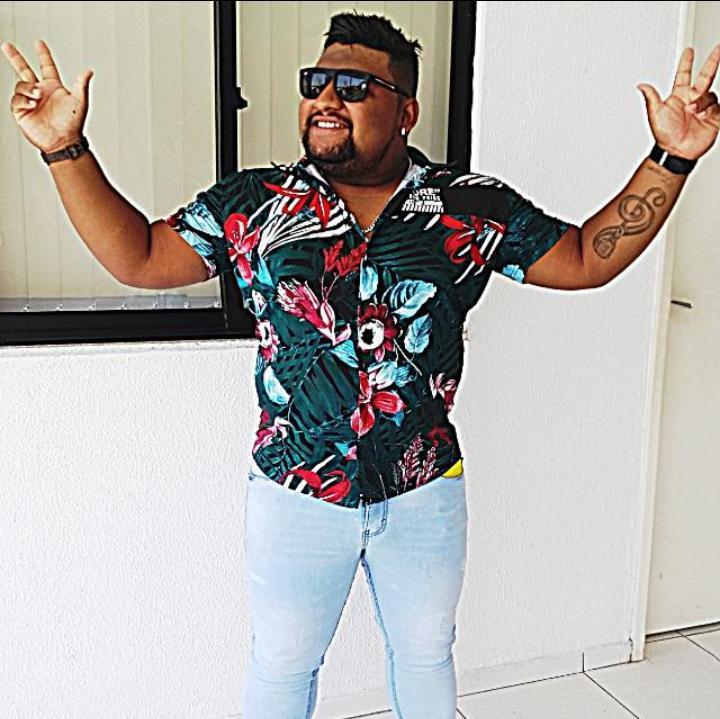 Locutor e cantor de 26 anos morre com suspeita de coronavírus em Teresina