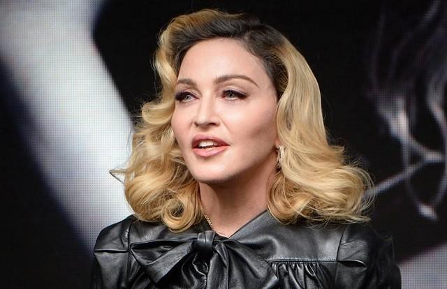 Madonna diz que três amigos morreram nas últimas 24 horas