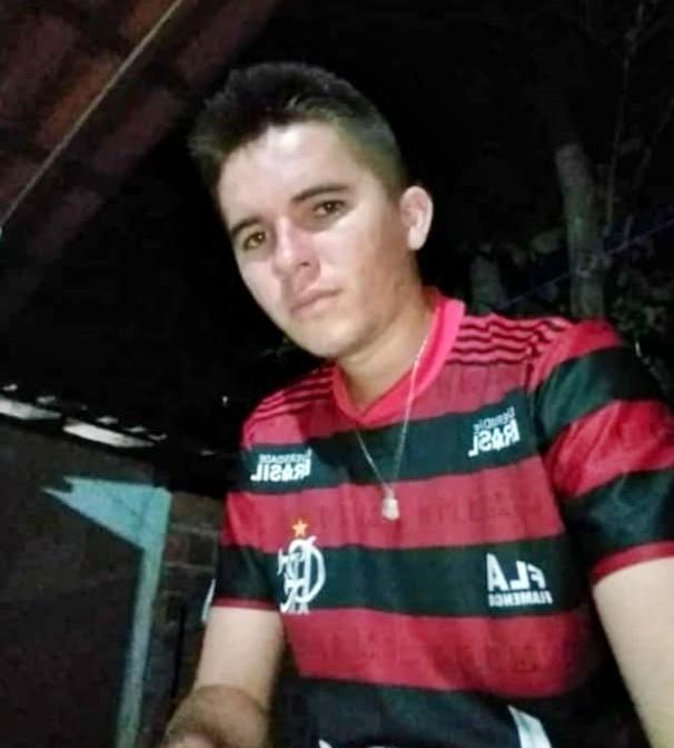 Jovem de 22 anos é assassinado a facadas em bar no Norte do Piauí
