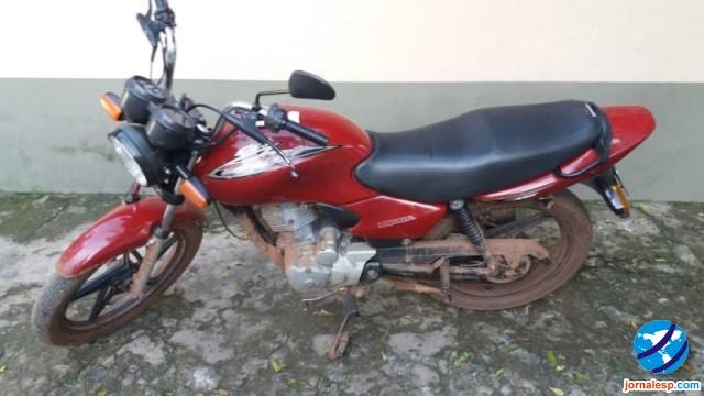 Polícia Militar recupera mais uma moto com registro de roubo/furto em São João do Arraial