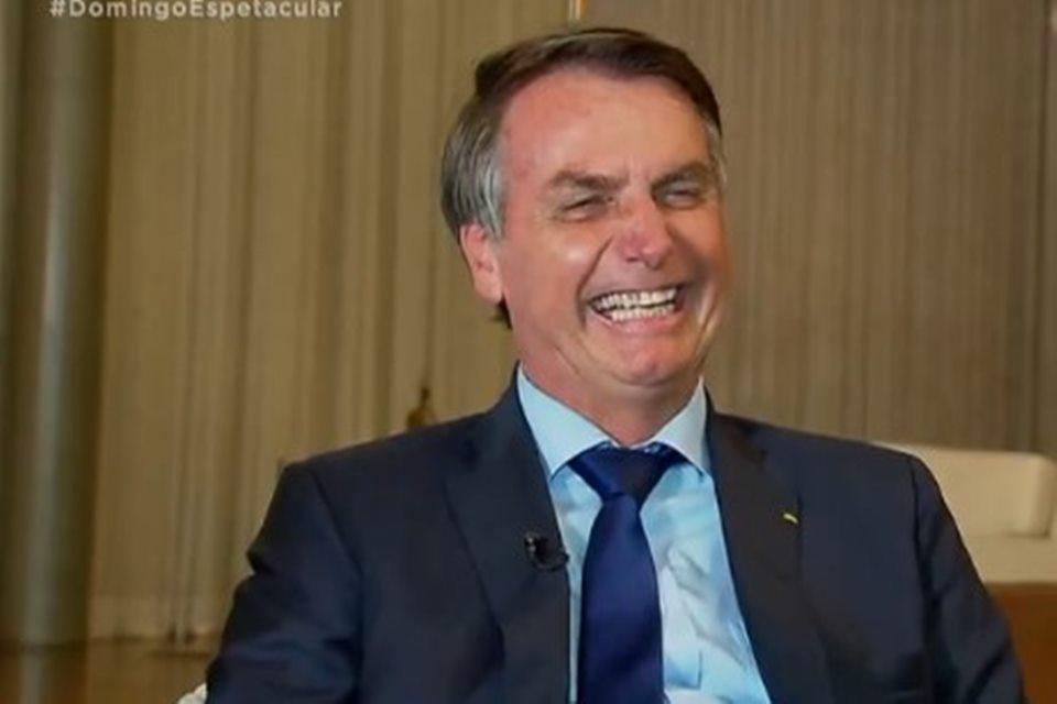 """Provocado sobre renúncia, Bolsonaro diz: """"Só saio em 1º de janeiro de 2027"""""""