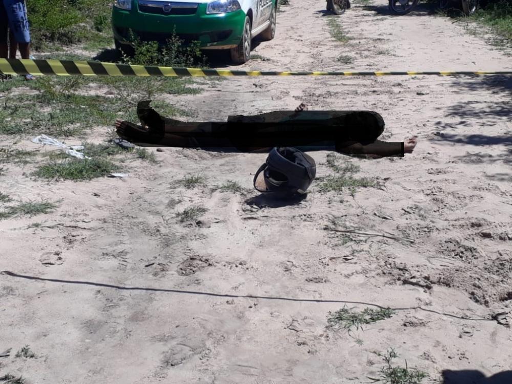 Homem é assassinado com vários tiros em estrada vicinal de Madeiro PI