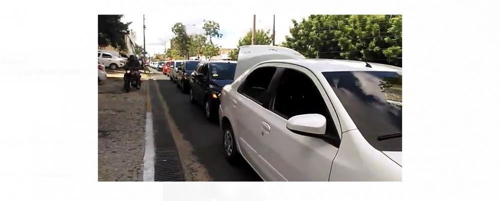 Motoristas fazem 'buzinaço' e pedem reabertura do comércio no Piauí