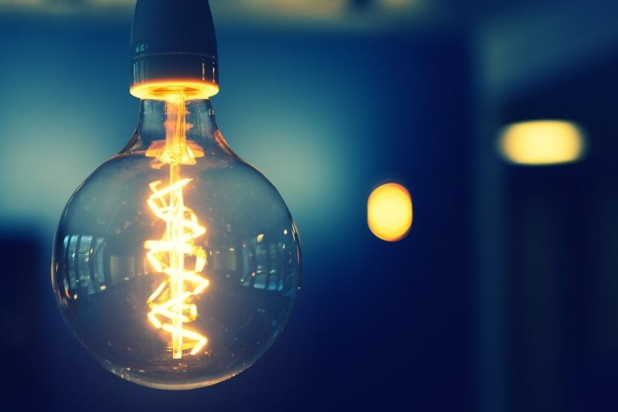 Governo federal congela reajuste tarifário de energia até 2021