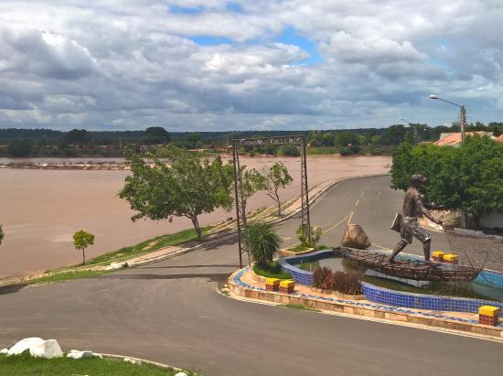 Em Luzilândia, Homem morre ao colidir com vaca; o chifre do animal ficou cravado na cabeça do motociclista