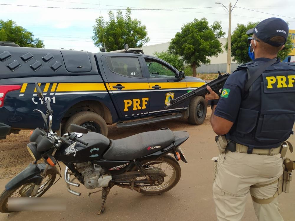 Operação da PRF prende sete e recupera quatro veículos no Piauí