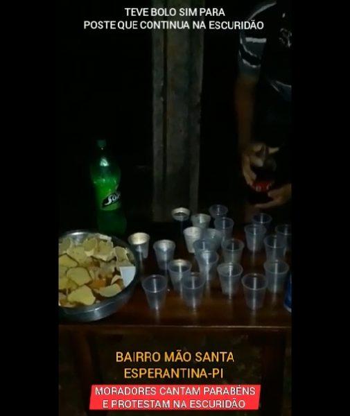 Em Esperantina, moradores festejam 8 anos de lampada queimada