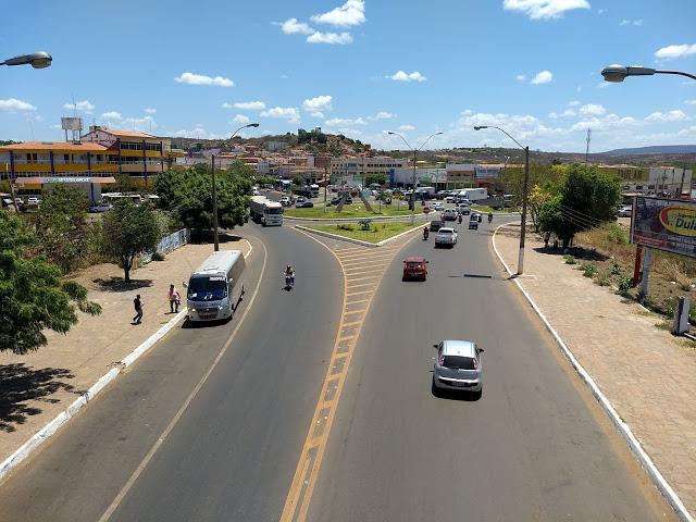 Avenida Senador Helvídio Nunes, Picos. (Foto: Canabrava News)