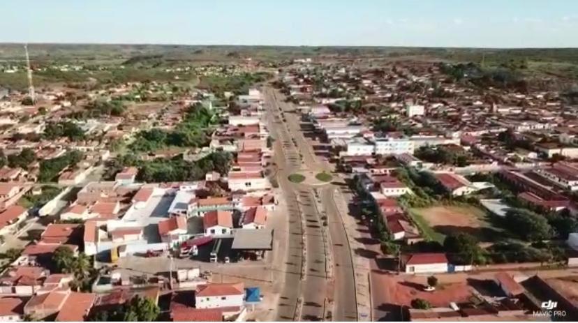 Sem mortes por covid-19, prefeito gasta R$ 22 mil para fazer 60 covas, no Piauí