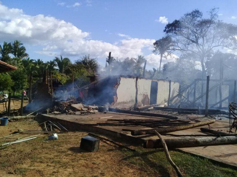 Família perde tudo durante incêndio que deixou casa destruída, no Norte do PI