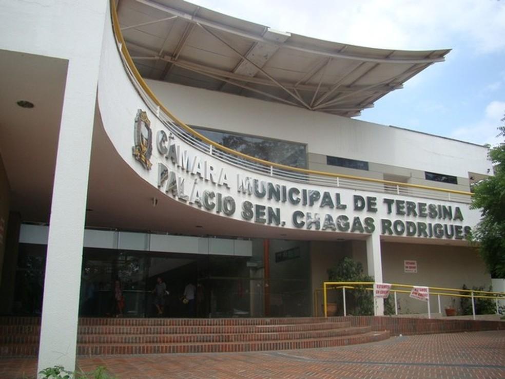 Câmara Municipal de Teresina lança concurso com 9 vagas e salários de até R$ 6 mil