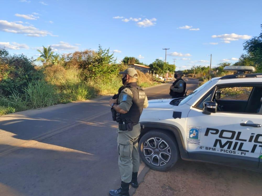 Motociclista é preso após furar barreira e atropelar policial no Piauí