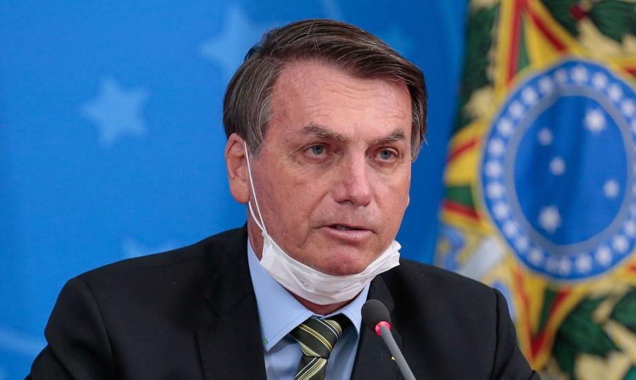 Bolsonaro testa positivo em exame de coronavírus
