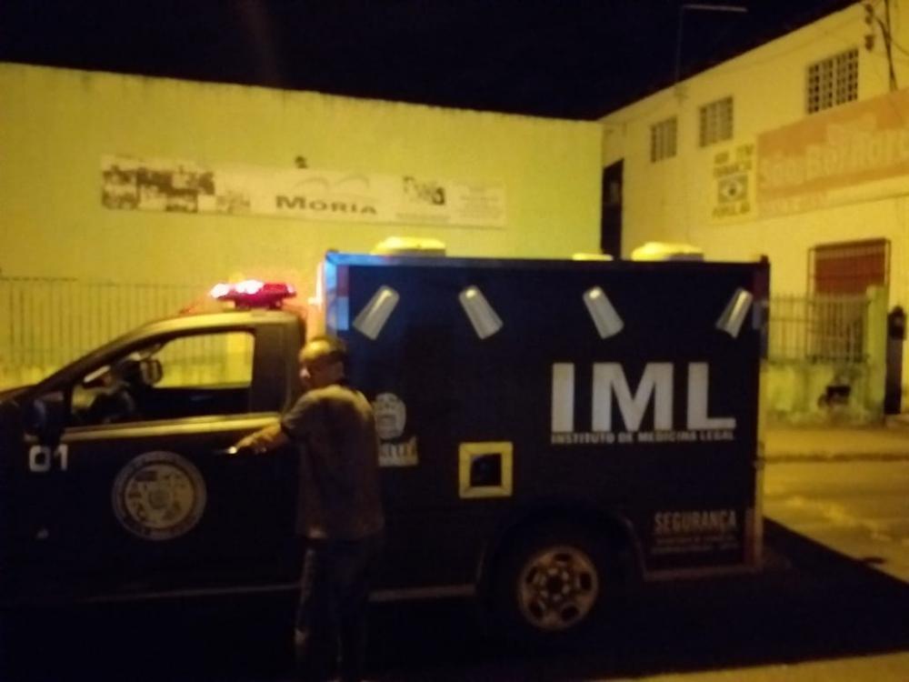 Para roubar celular, assaltantes matam homem a facadas no Piauí