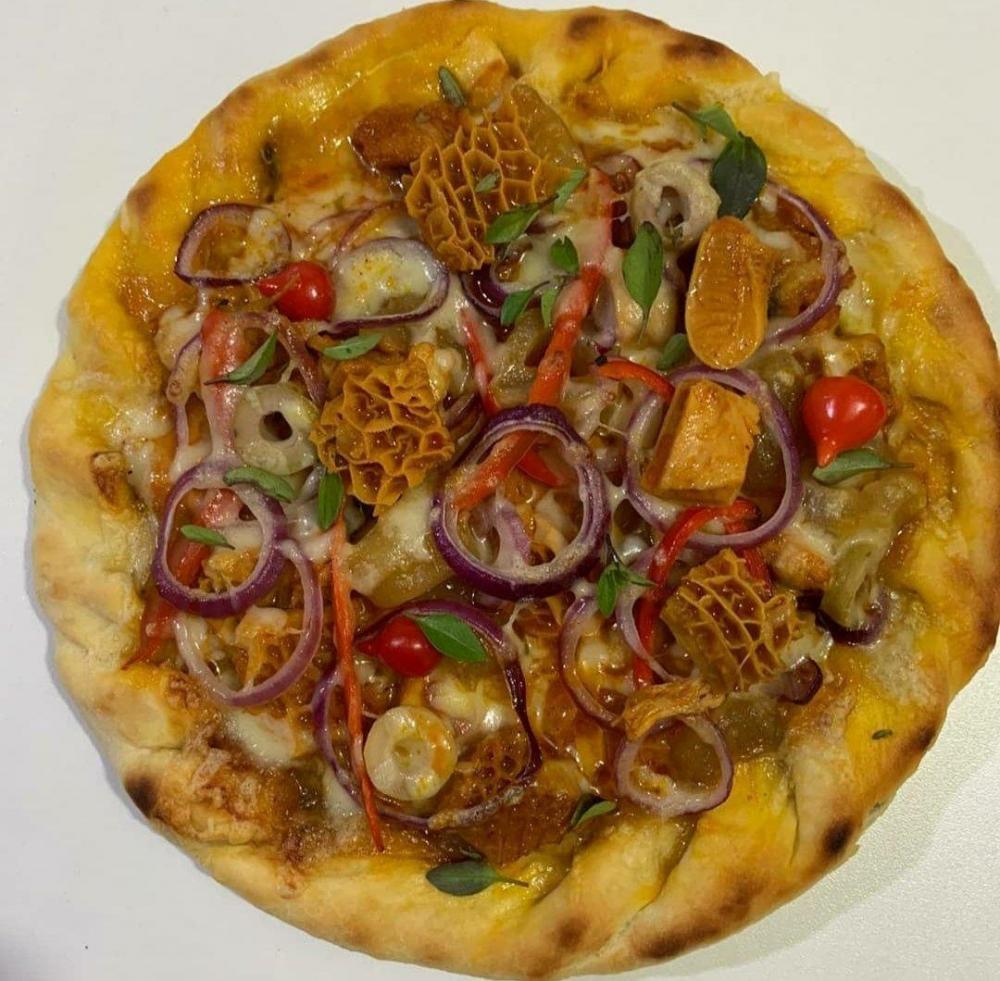 Bastou ser postada uma imagem da iguaria, lançada por um dono de pizzaria em Teresina, que os internautas se dividiram entre aqueles que adoraram a novidade e os que odiaram.