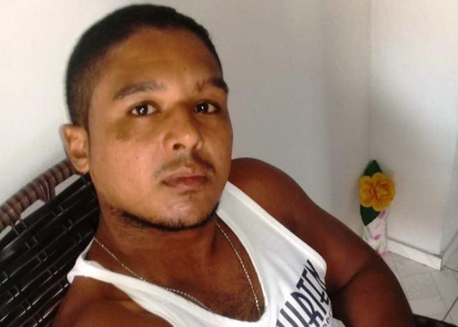 Jovem é assassinado a facadas após discussão durante bebedeira