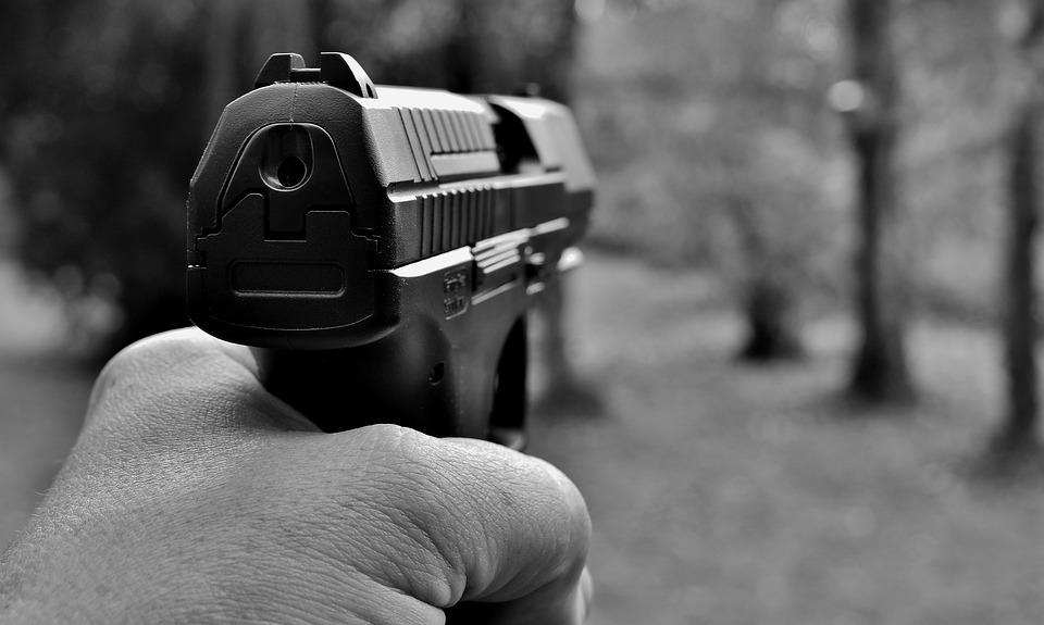 Duas pessoas são alvejadas a tiros em Luzilândia