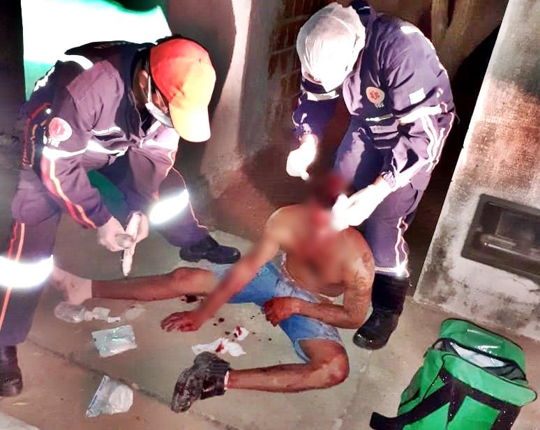 Homem é preso após atingir desafeto com golpe de facão no rosto em Parnaíba