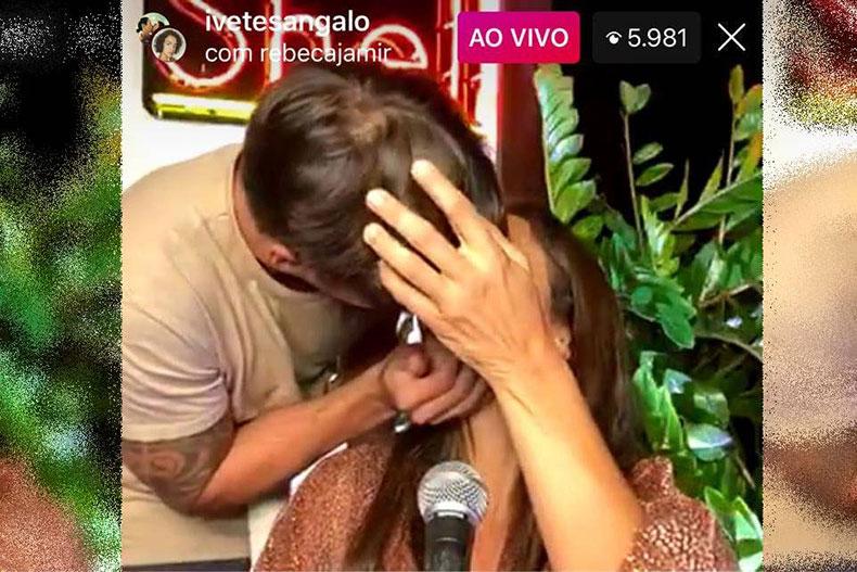 Em meio a boatos sobre crise, Ivete Sangalo ganha beijo de marido em live