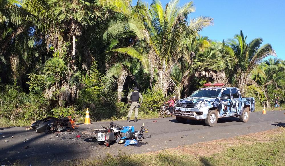 Grave acidente deixa duas pessoas mortas na PI-112