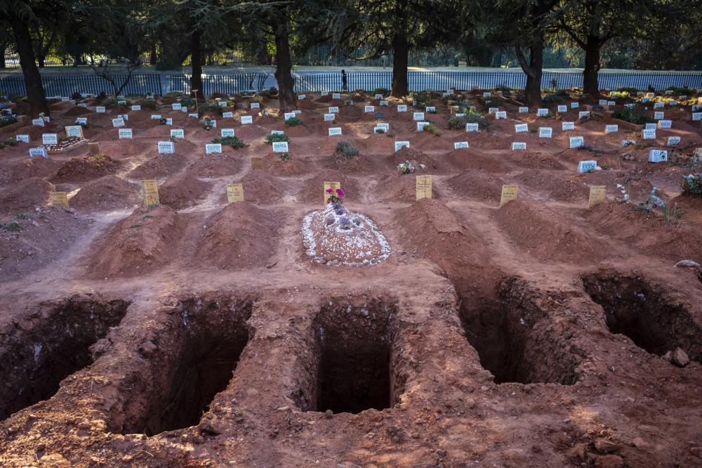 Mundo tem mais de 720 mil mortos por covid-19