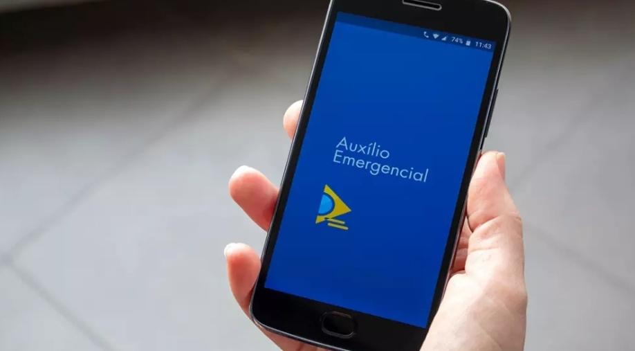 Governo avalia manter Auxilio Emergencial com valor menor até março