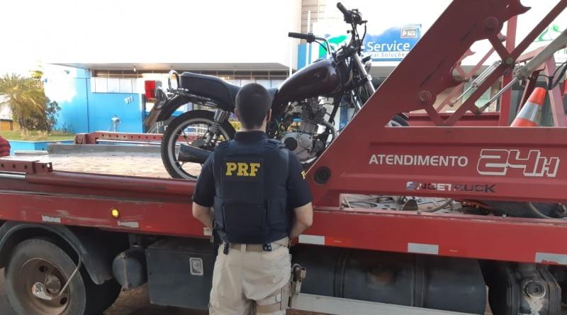 Homem é preso no Piauí conduzindo moto roubada, embriagado e sem capacete