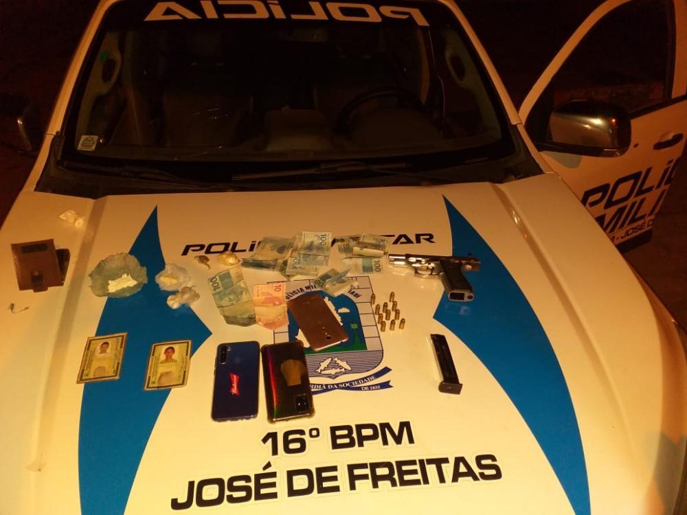 Bando suspeito de tráfico de drogas é preso em José de Freitas