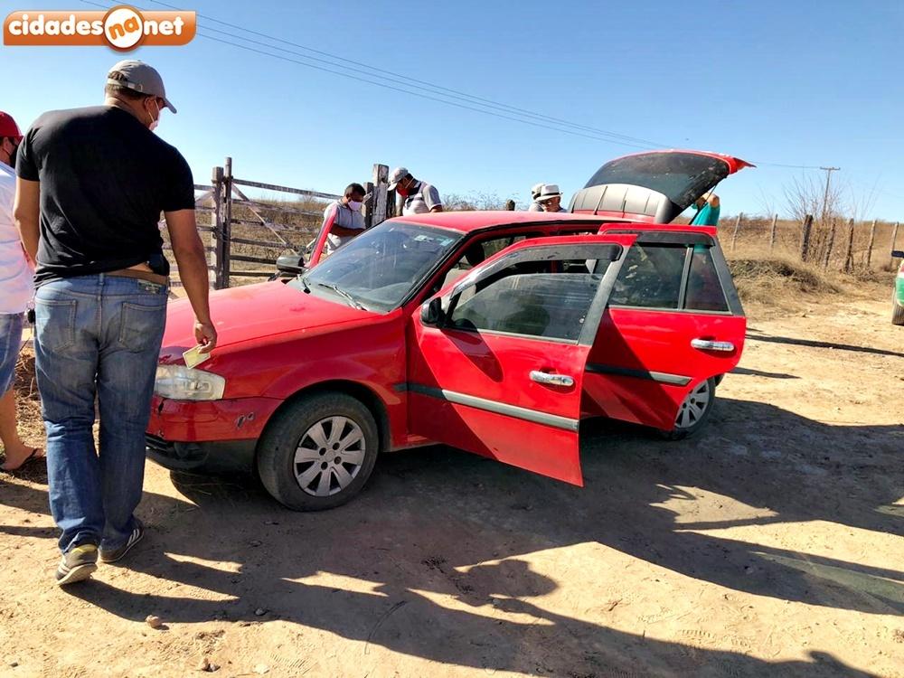 Homem é encontrado morto dentro de carro em cidade do Piauí