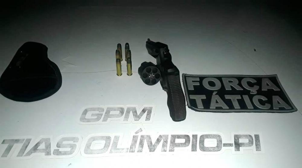 Homem é autuado por porte ilegal de arma de fogo em Matias Olímpio