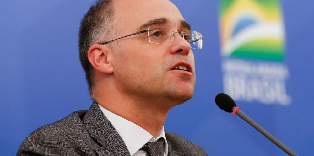 Ministro da Justiça realiza exames após sentir mal-estar
