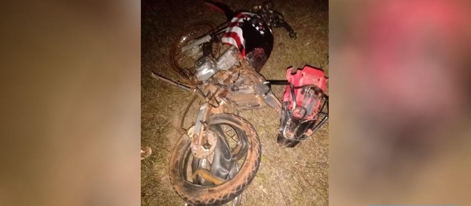 Colisão entre carro e motocicleta mata criança e adolescente na BR-222 em Batalha