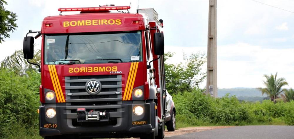 Jovem desaparece em rio do Sul do Piauí; bombeiros fazem buscas