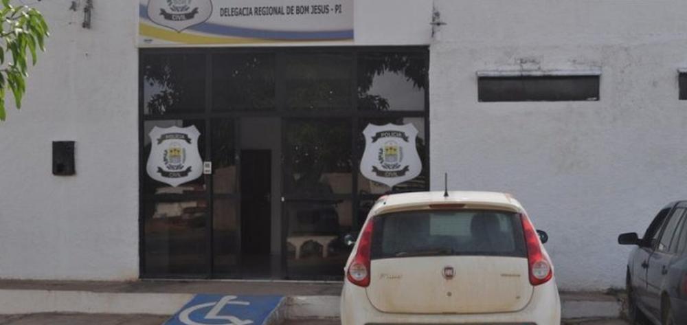 Presos serram grades e fogem de delegacia no Sul do Piauí