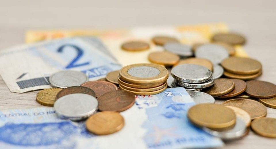 Renda Cidadã 'deverá ficar entre R$ 200 e R$ 300', diz relator de PEC