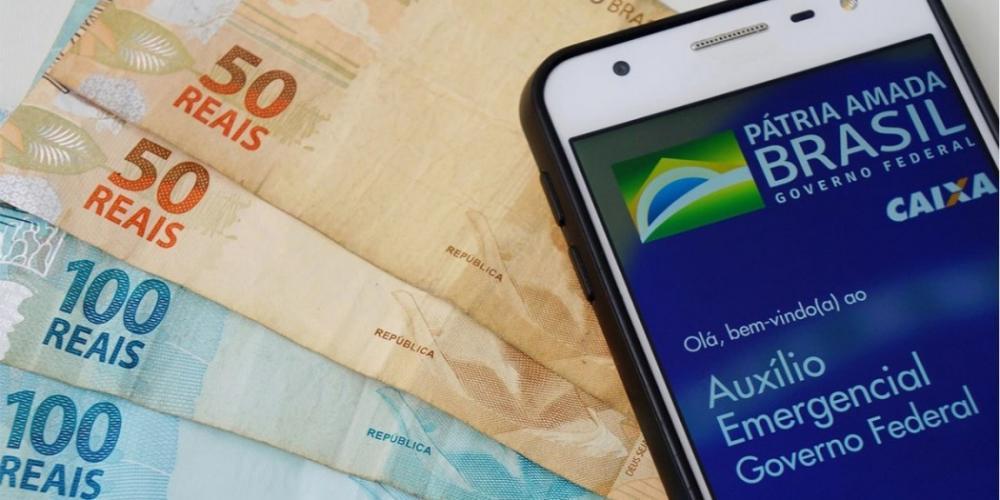Novas parcelas do auxílio de R$ 300 começam a ser pagas nesta quarta (30)